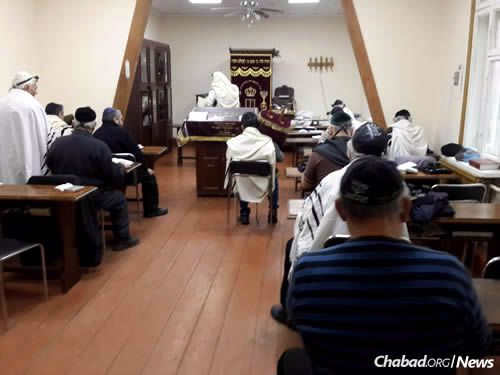 The synagogue boasts a minyan three times a day.