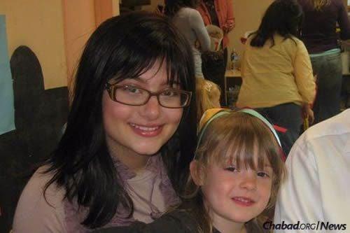 Rochel Devorah Goldberg with her daughter, Chana