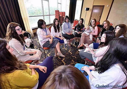 . . . and strategic planning for the women. (Photo: Shmuel Amit)