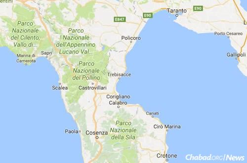 The coastal city of Scalea, center left, near the arch of the boot of Italy. (Google Maps)