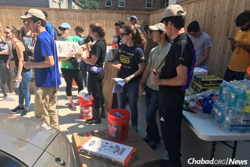 Volunteers from campus Chabads from as far away as Boulder, Colo., will join this and other campus groups in Houston on Sunday.