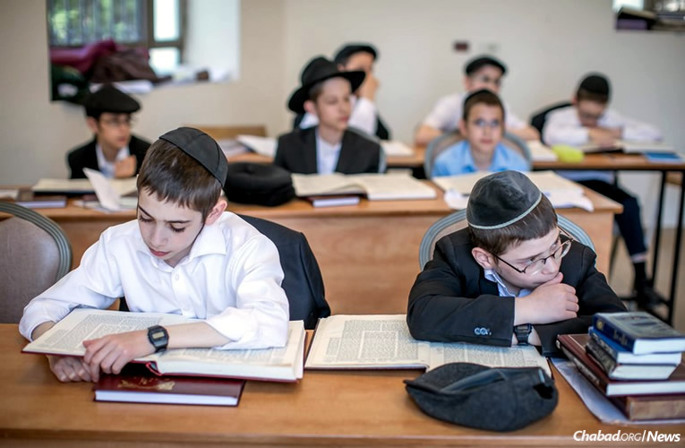 Students at Yeshivah Ketana of Malakhovka, geared to high-school-aged boys, began on Aug. 30. Malakhovka's original yeshivah was an underground branch of Yeshivas Tomchei Temimim-Lubavitch, which lasted in this town from 1934-35.