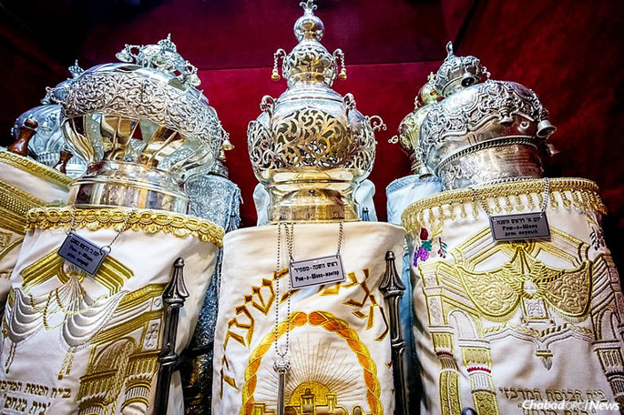 Rejoicing with the Torah: The holiday of Simchat Torah begins on the evening of Thursday, Oct. 12, and in Israel, on Wednesday night. (Photo: Levi Nazarov/Moscow)