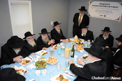 The Oct. 15 reunion of the rabbis was a full-day event that began at the Ohel in Queens, N.Y., the resting place of the Rebbe and his father-in-law, the sixth Rebbe. (Photo: Vaad Talmidei Hatemimim)