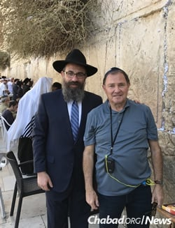 Effective recovery programs require the support of both the private and public sectors. Zippel, left, with Gov. Gary Herbert of Utah by the Western Wall in Jerusalem.