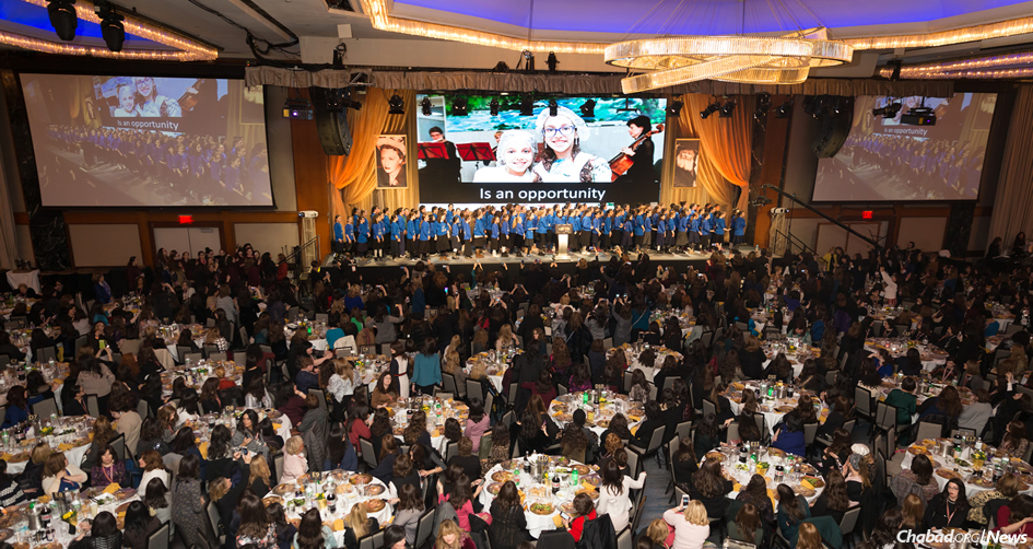 More than 3,000 women at the closing banquet of the last year's conference of Chabad-Lubavitch Women Emissaries (Kinus Hashluchos). (File Photo: Chavi Konikov)