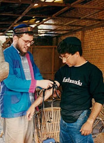 In the early 1990s, Asi Spiegal led the Passover Seders with fellow rabbinical students. (Photo: File)