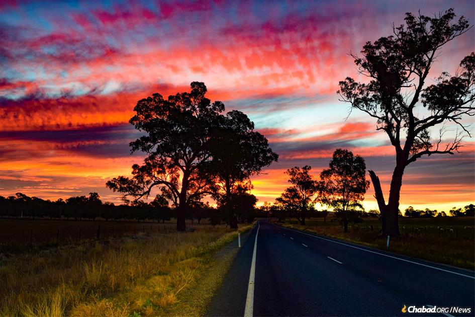 The seemingly endless Hume Highway, stretching the vast distance of Australia's east coast, was the destination for two young rabbis who came to visit scattered Jews in the region. (Photo: Mendel Super)