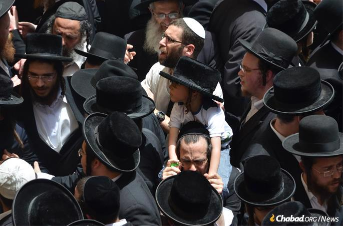 People from all walks of Jewish life traveled from every part of Israel, and many from abroad, to the resting place of Rabbi Shimon. (File photo: Jodi Sugar)