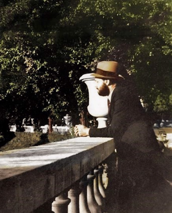 A photo of the Rebbe in a Paris park, more than a decade before he took on the burden of public leadership (mid 1930s).