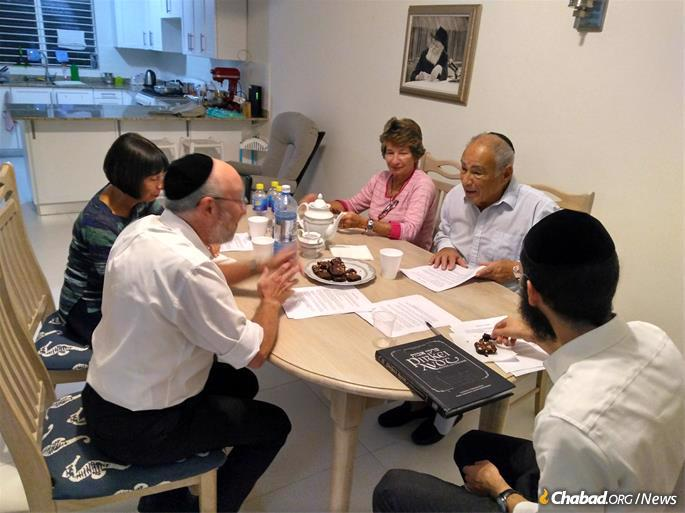 """Between Passover and Shavuot, the rabbi led a successful series of lectures on Pirkei Avot (""""Ethics of the Fathers"""")."""