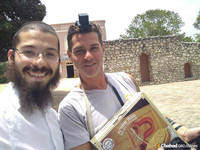 Before Passover, the Chaikins distributed shmurah matzah to almost every Jew they met.