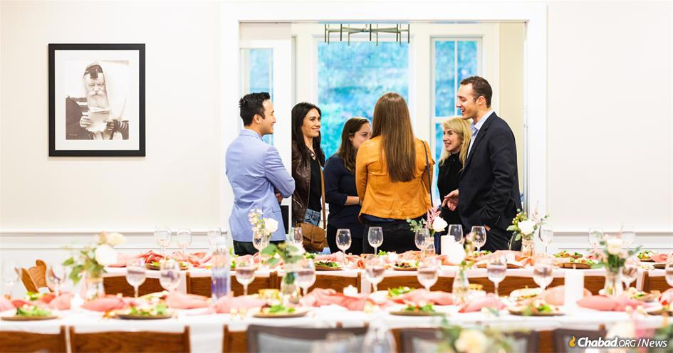 The new Chabad center at Dartmouth includes a 1,400-square-foot dining room that doubles as a social space, a kosher kitchen for event catering, a 3,000-book library and a student lounge. (Photo: Chabad of Dartmouth)