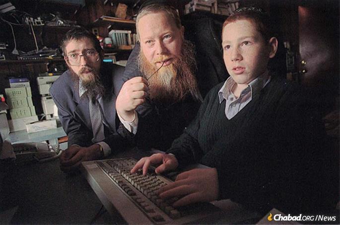 Eli Winsbacher, left, with Rabbi Kazen, and site webmaster Michoel Kazen, taken in February 1996.