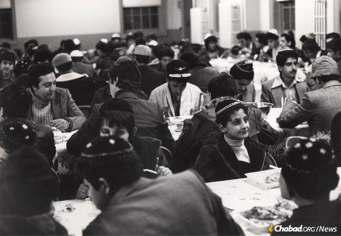 A special emphasis was made that the children feel comfortable; this sentiment famously extended to Iranian children being served rice at the group Passover seders arranged for them. (Photo: Courtesy NCFJE)
