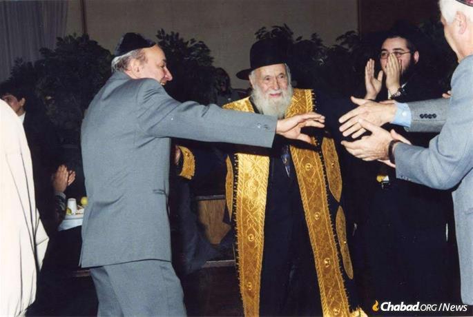 Os Kazens lideraram incansavelmente sua comunidade de judeus russos, mesmo em idade avançada