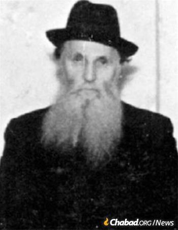 Rabbi Elya Chaim Althaus, who took responsibility for overseeing the baking and shipping of matzah and matzah flour out of Riga. Althaus was later killed by the Nazis in Riga.