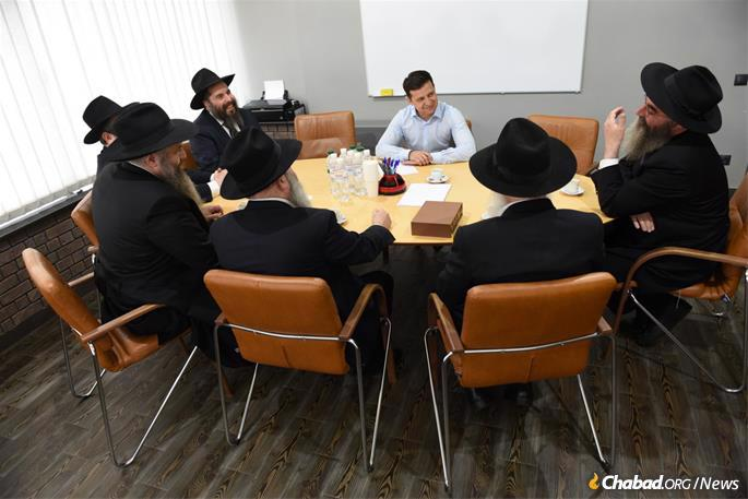 The conversation touched on the enormous size of Ukraine's Jewish community, which is estimated to be as high as 500,000 individuals.