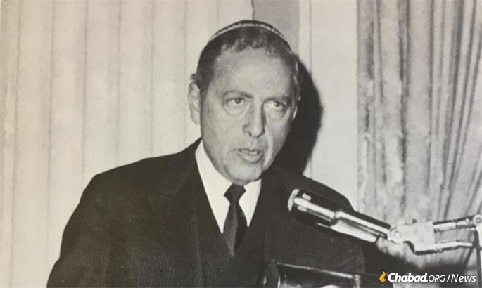 Wouk at a Chabad-Lubavitch event in Philadelphia, 1968