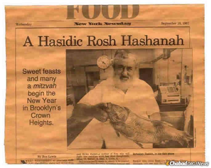 """Raskin strikes his familiar pose in """"Newsday,"""" pre-Rosh Hashanah 1987."""