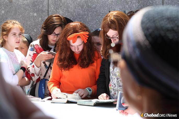 More than 50,000 are expected to visit the Ohel in Queens, N.Y. (Photo: Bentzi Sasson)