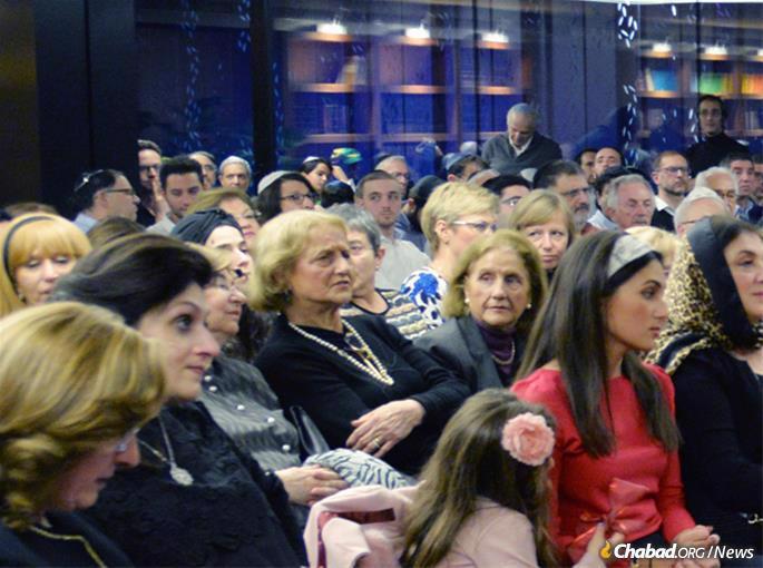 Chabad cresceu em Barcelona junto com a comunidade judaica local, que inclui imigrantes do Marrocos.