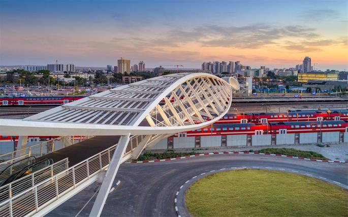 A premiada Ponte High-Tech de Be'er Sheva (também conhecida como ponte de dupla hélice ou ponte DNA) tornou-se símbolo do setor de tecnologia da cidade, de crescimento e futuro.