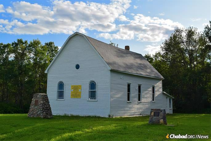 Appearing out of nowhere on the side of a dirt road in Edenbridge was the shul, today the oldest standing synagogue in Saskatchewan.