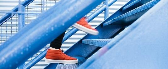 steps-1081909_960_720 crop.jpg