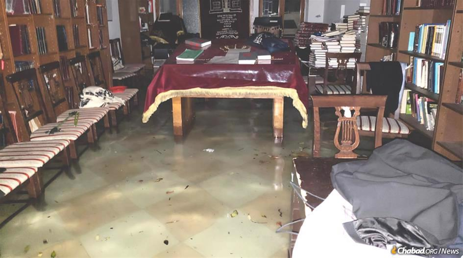 Floodwaters began to damage the Chabad synagogue in Venice, Italy. Since then, water has continued to rise in the sanctuary.