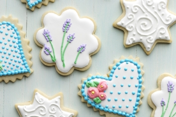 Friends, Fondant, and Cookie Decorating