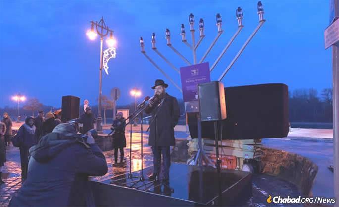 The menorah-lighting in Szentendre
