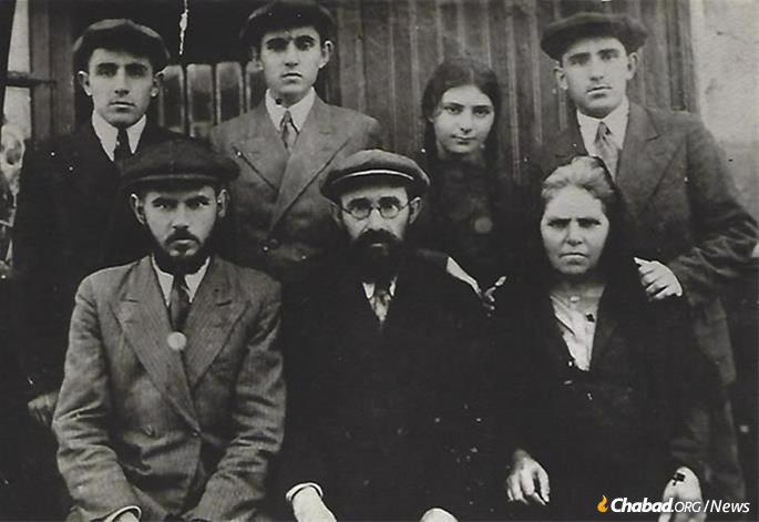 Sonia Pinson with her parents and older brothers