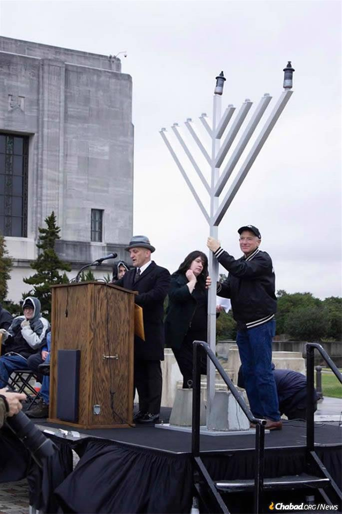 A giant menorah was lit by Chabad of Baton Rouge in front of the Louisiana State Capitol. (Credit: Chabad of Baton Rouge)