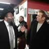 Presidential Campaign Staffers 'Caucus for Shabbat' in Iowa