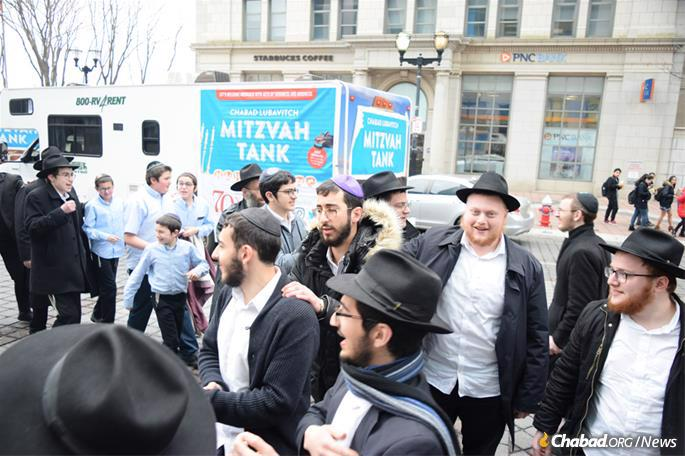 Yeshivah students departed from the Rabbinical College of America in Morristown, N.J., with a fleet of 12 RVs, accompanied by 70 rabbinical students and 35 elementary-school students from the college's day school.