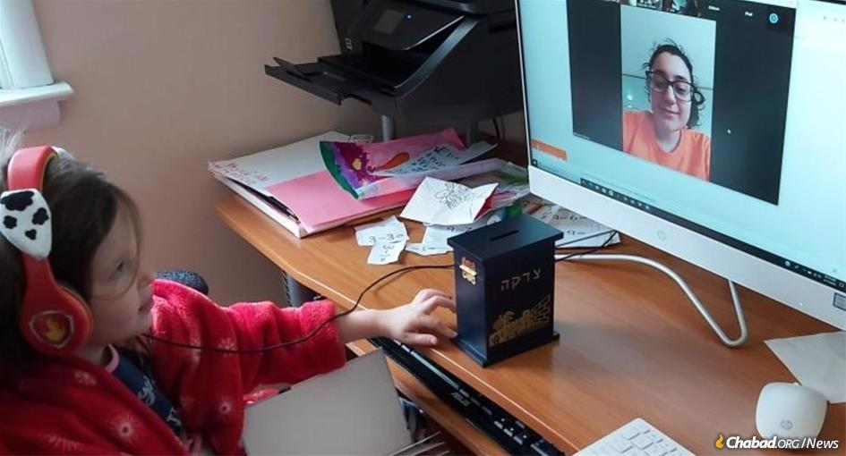 Five-year-old Jenna Venit went to Hebrew school without leaving home by joining an online program created by CKids.