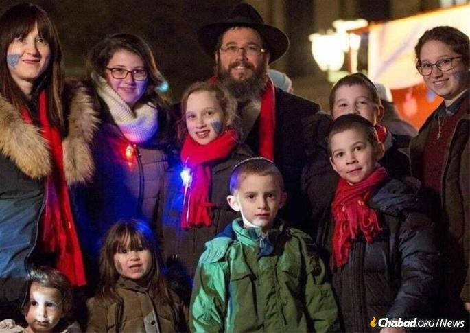 Rabbi Wolff celebrated Chanukah in Hanover with his wife, Shterna, and their eight children.