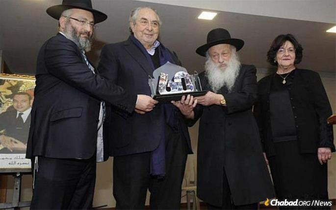 Rabbi Sholom and Gittel Eidelman were honored by Morrocan Jewry on the 60th anniversary of their arrival in Casablanca.