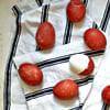Como Tingir Ovos de Vermelho (usando cascas de Cebola)