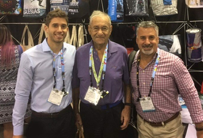 Sidney Siegel with his grandson Daniel, left, and his son Steven, right (Photo: Courtesy of his family)