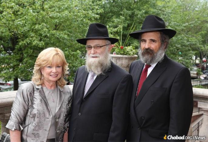 Channy and Mendel Drizin with Rabbi Yehoshua B. (Josh) Gordon, of blessed memory, whose daughter Chaya is married to the Drizins' son, Dovid