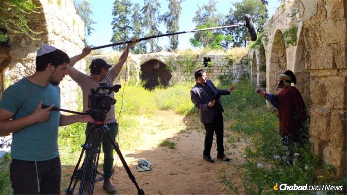 Preparing a Lag BaOmer video on the holiday's history for German-speaking Jewish communities of Germany, Switzerland and Austria.
