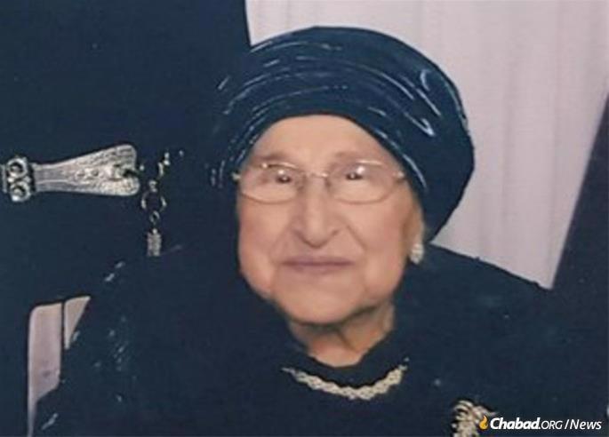 Rebbetzin Chaya Nechama Halberstam, a Nazi death-camp survivor and wife of 47 years of the Sanz-Klausenburger Rebbe.