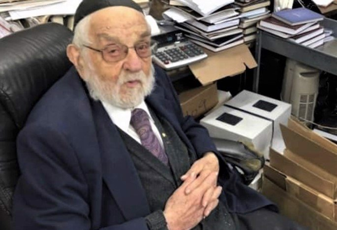 Yaakov Shlomo Biegeleisen (Photo: The Sephorim Blog)