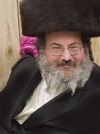 Yitzchok Banash (Photo: The Chesed Fund)