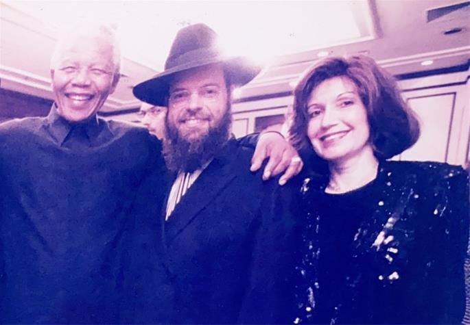 Rabbi Yossy and Rochel Goldman with Nelson Mandela
