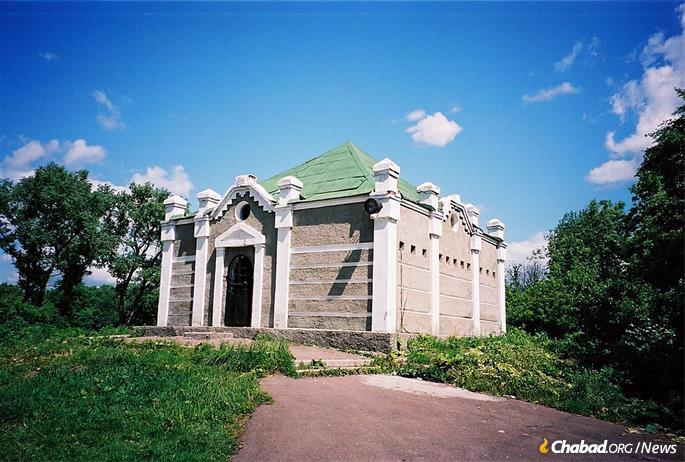 The first post-war mausoleum was built in 1989. In the early 2000s an even bigger one was built around the original (seen here in the midst of construction). Unknown to all, the actual, original grave lay five feet underground waiting to be revealed.