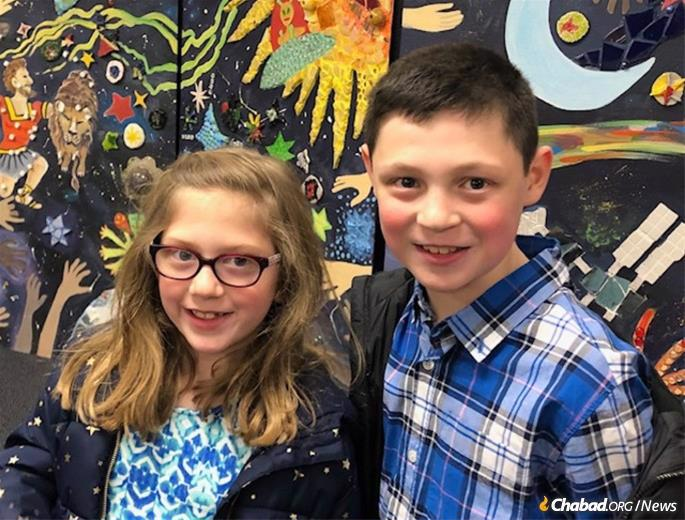 Jessica and Justin Newdorf are looking forward to going back to Chabad of Potomac's Hebrew school.