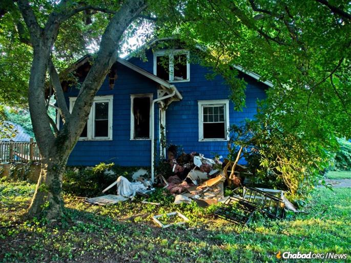 """Students and alumni were horrified at the deliberate destruction of their beloved """"home away from home"""". (Photo: Michael Romagnoli)"""